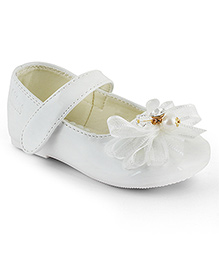 Kittens Shoes Ballerinas With Bow Applique - White