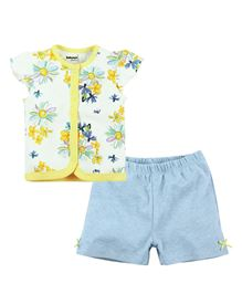 Babyoye Butterfly Sleeves Top With Shorts - Multi Coloured