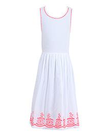 Miyo Sleeveless Printed Dress - White