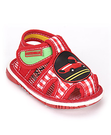 Cute Walk By Babyhug Sandals Car Applique - Red
