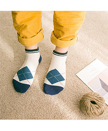 Milonee Diamond Print Socks - White