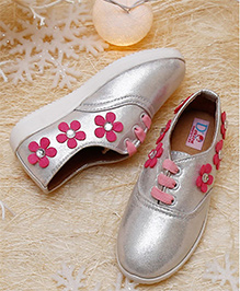 D'chica Girly And Sassy Sneakers - Silver