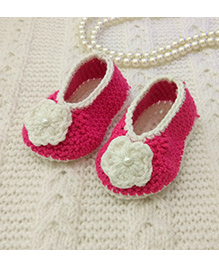 Magic Needles Flower Booties With White Flower - Pink