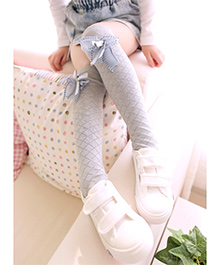 Dazzling Dolls Knee High Self Design Stockings With Bow - Grey