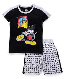 Eteenz Mickey Mouse Print T-Shirt And Printed Shorts Set - Black