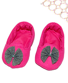 SnugOns Baby Shoes With Glitter Bow Applique - Pink
