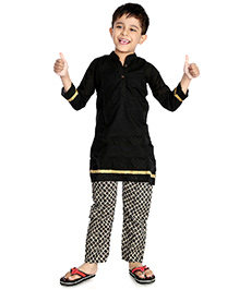Little Pockets Store Set Of Contrast Kurta & Printed Pajama - Black