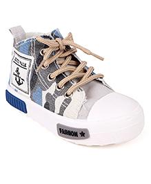 Cute Walk by Babyhug Canvas Shoes - Blue White