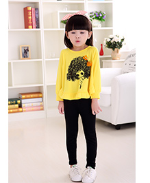 Wonderland Set Of Girl Printed Poncho Top With Bow Applique & Bottom - Yellow