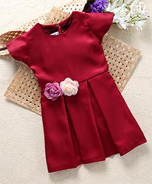 Shu Sam & Smith Kick Knife Pleated Dress With Rose Applique At Waist - Maroon