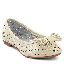 Kittens Shoes Cut-work Design Ballerinas Bow Applique - Beige