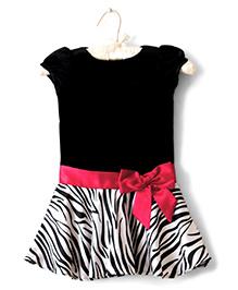 Nitallys Drop Hem Dress With Bow Belt Applique - Black & White