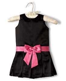 Nitallys Box Pleat Drop Waist Dress - Black