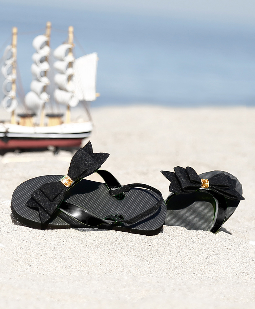 D'chica Blingy Contrast Bow Applique Flip Flops - Black
