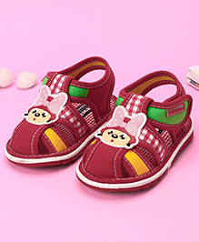 Cute Walk by Babyhug Sandals Velcro Closure Patch and Check Print - Red