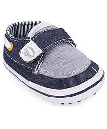 Cute Walk by Babyhug Booties Velcro Closure - Blue