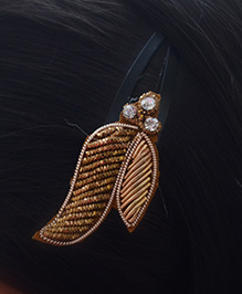 Pretty Ponytails Ethnic Embroidered Zardozi Hair Clip - Golden