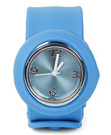 Analog Wrist Watch Circle Shape Dial - Blue