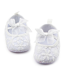 Alle Alle Belly Shoes Style Booties Floral Embroidery - White