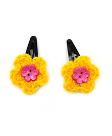 Magic Needles Crochet Flowers & Button Tic Tac Hair Clips - Yellow