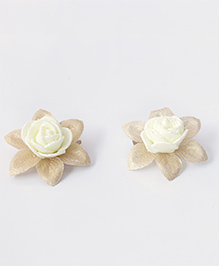 Milyra Flower Design Hair Clips - Off White & Golden