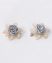 Milyra Flower Design Hair Clips - Silver & Golden