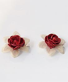 Milyra Flower Design Hair Clips - Red & Golden