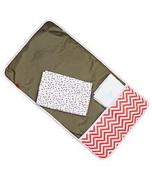Kadam Baby Diaper Mat With Pocket Chevron Print - Red