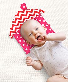 Babyhug Rai (Mustard) Seed Filling Pillow House Shape Polka Dots Print - Pink