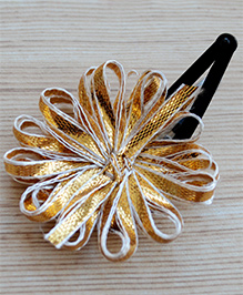 Pretty Ponytails Ribbon Flower Applique Hair Clip - Golden