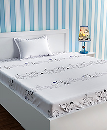 Urban Dream Bed Sheet With Pillow Cover Set Doggy Print - Black & White