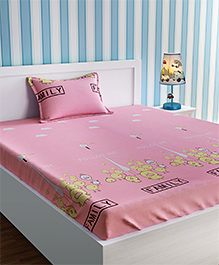 Urban Dream Bed Sheet With Pillow Cover Set Bird Family Print - Pink & White