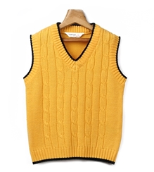 Beebay - Sleeveless Cable Knit Sweater