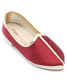 Cute Walk Plain Traditional Mojari Shoes - Maroon