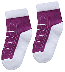 Mustang Shoe Lace Design Purple Plain Socks