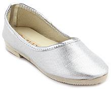 Cute Walk Plain Shinny Traditional Mojari Shoes - Silver