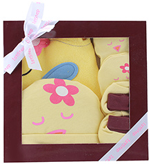 1st Step Yellow Plain Baby Gift Set - Pack Of 4