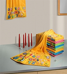 Swayam Digitally Printed Alphabets Reversible Kids Towel