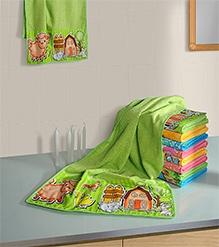 Swayam Digitally Printed Farmhouse Animals Reversible Kids Towel
