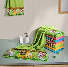 Swayam Digitally Printed Kittens Reversible Kids Towel