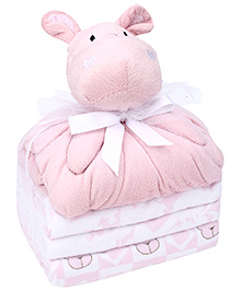 Piccolo Bambino Gift Set Of Cuddly Pals With 3 Flannel Blankets In Mesh