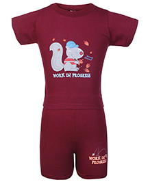 Cucumber Half Sleeves T Shirt And Shorts Squirrel Print - Maroon