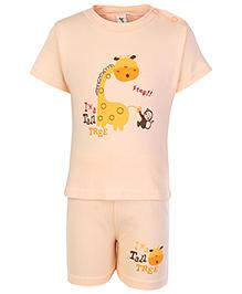 Cucumber Half Sleeves T Shirt And Shorts Peach - Giraffe Print