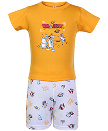Cucumber Half Sleeves T Shirt And Shorts Yellow - Tom And Jerry Print