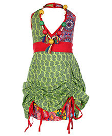 Little Kangaroos Halter Neck Frock With Neck Piece - Red And Green