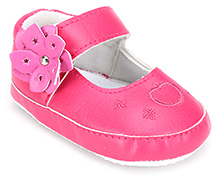 Cute Walk Baby Booties With Flower Applique - Pink