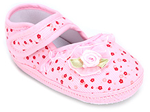 Cute Walk Baby Booties With Floral Applique - Pink