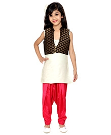 K&U Sleeveless Koti Style Salwar Kurta With Jacket