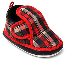 Littles Musical Booties Checks Print With Velcro Closure - Red