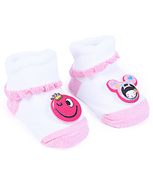 Cute Walk Baby Socks With Motifs - White
